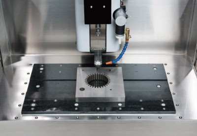 гранитный стол HD600C повышает точность позиционирования и снижает влияние температурных изменений